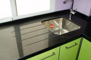 El ba o y la cocina for Cocina verde pistacho